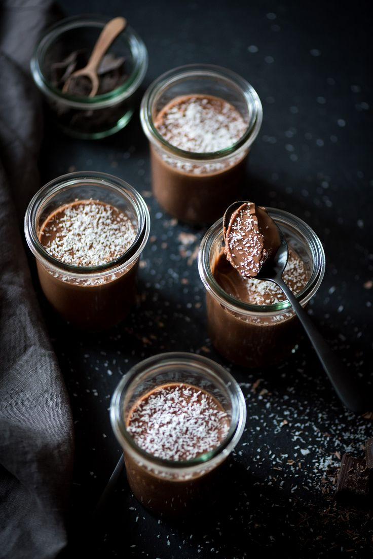 Ces crèmes dessert chocolat coco vegan se réalisent en quelques minutes et avec juste quelques ingrédients. Qui dit mieux ?
