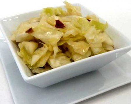 Китайский острый салат из свежей капусты