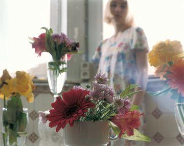 Elina Brotherus: Fille aux fleurs
