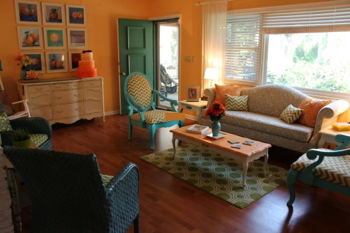 Cheery living room decor on a budget appartment - Living room furniture on a budget ...