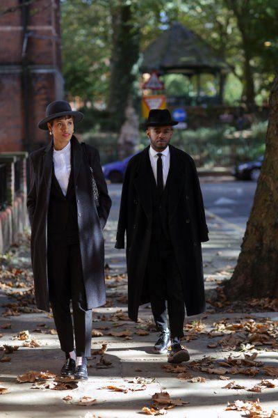 Die Campbell-Geschwister sind in London aufgewachsen. Wenn sie gemeinsam auf der Straße unterwegs sind, werden sie häufig von Fotografen angesprochen. Bilder der beiden sind regelmäßig in großen Modezeitschriften und auf Onlineseiten zu sehen.