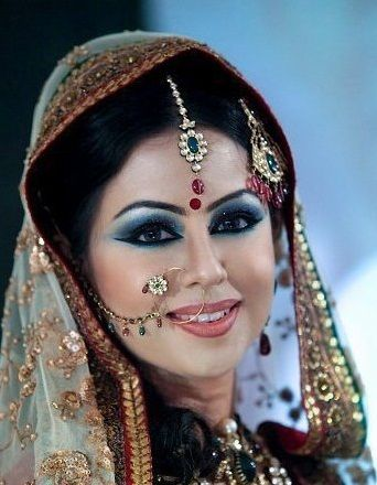 Fashionable and Trendy Nose Rings for Brides