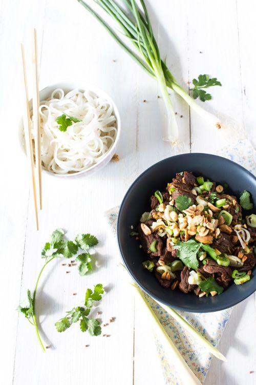 En ce moment je suis dans ma période « cuisine Thaï ». C'est une cuisine que j'apprécie beaucoup, car je la trouve très légère et surtout pleine de saveur ! Préparez-vous donc certainement à retrou...