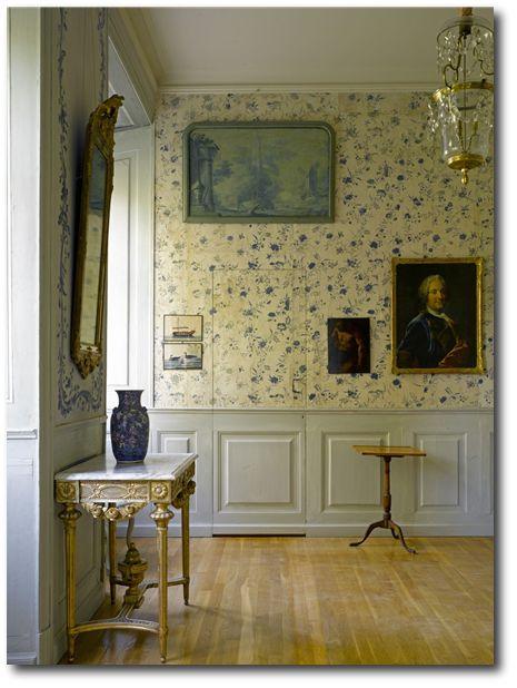 Gustavian Style - A Higher End looking Swedish style (vs Scandinavian Country Style). Stola Herrgård, Sweden