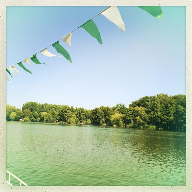1.) dein Bild der Woche. Weil es ein ganz entspannter Vormittag am See war, wo die zeit ca. bei 1950 stehengeblieben zu sein schien.