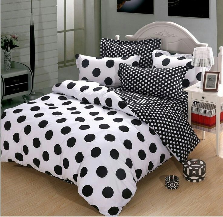 Delightful black and white polka dot bedding.