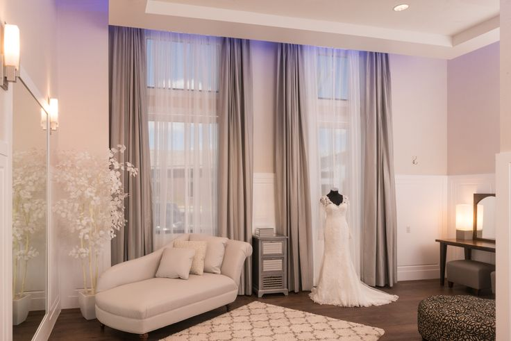 The elegant Bridal Suite creates the perfect space for brides to prepare for their special day!