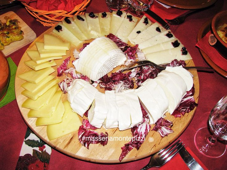 Tagliere di formaggi dell 39 alto molise caciocavallo for Adriatic cuisine