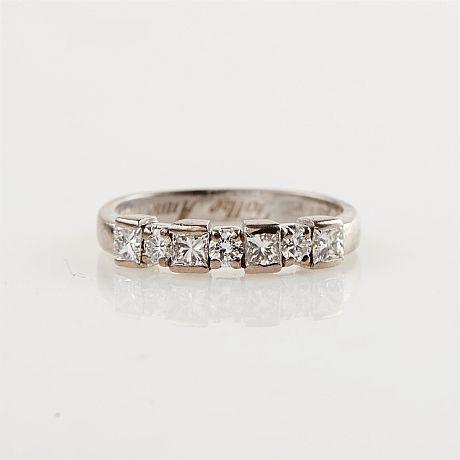Ring vitguld diamanter