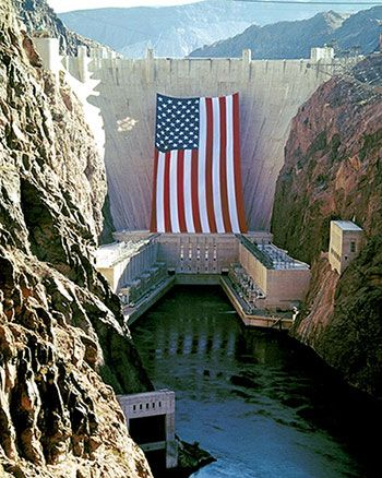 Hoover Dam with flag