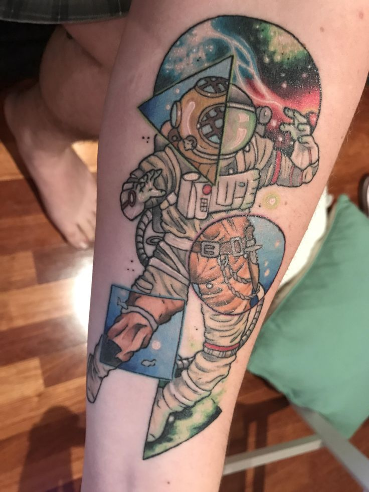 Austronaut / deep sea diver done by Janelle at Electroc tatto, Perth - Australia