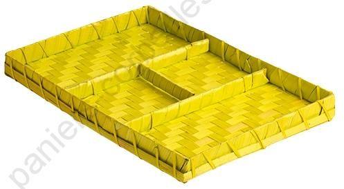 https://www.paniers-corbeilles.com/Corbeilles-en-osier-jonc-de-mer-bambou-corde--0000100-vente/Corbeille-rectangulaire-en-bambou-vert-anis-3-compartiments-29x20x2-5-cm--0002929.html