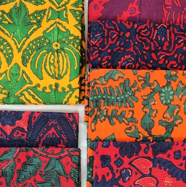 The world has even recognized batik as an Indonesian cultural treasure, with the acknowledgement from UNESCO in 2009. Here's some of Indonesian Batik at Go Tik Swan Gallery on #APSDAday2 creative tour. #LiveFromAPSDA2014 pic of @diananazir