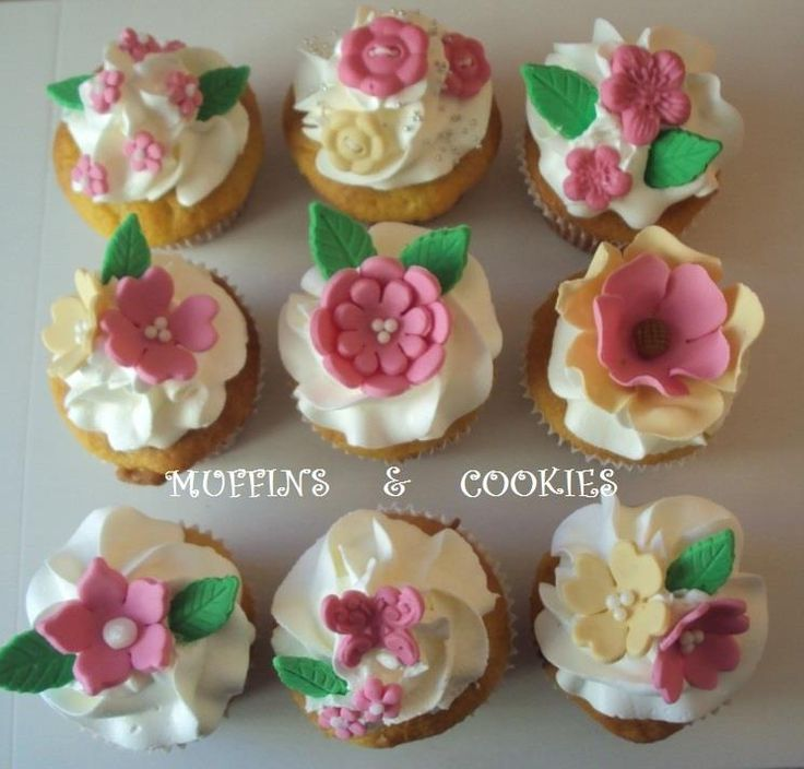 Flowers cupcakes Muffins bachelorette