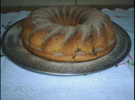 Receita de Bolo de fubá com goiabada - bolo com canela e açúcar.. A goiabada e o queijo...