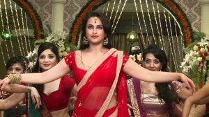 Sonakshi Sinha Navel Show, Sonakshi Sinha Belly Show, Sonakshi Sinha Latest Navel Photos-10 is one of the most beautiful actress in Mumbai