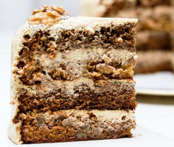 Великолепный маковый торт с медовыми коржами и творожно-сливочным кремом украсит ваш стол на праздник Маковея