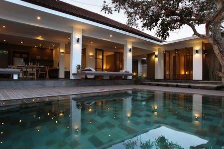 Regardez ce logement incroyable sur Airbnb : ELEGANT LUXURY 3BR +POOL SEMINYAK. - maisons à louer