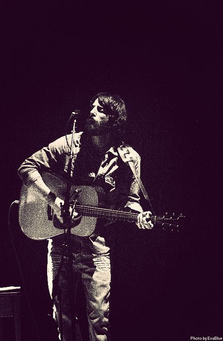 Ray LaMontagne! Jolene live... oh, man. Beautiful.