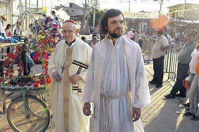 Santo Padre Francisco : Bergoglio: 'Voy a rezarle a Dios que si alguien tiene que morir ese sea yo'
