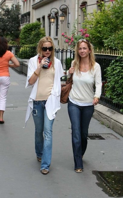 Kate Hudson out and about shopping in Paris with a friend.