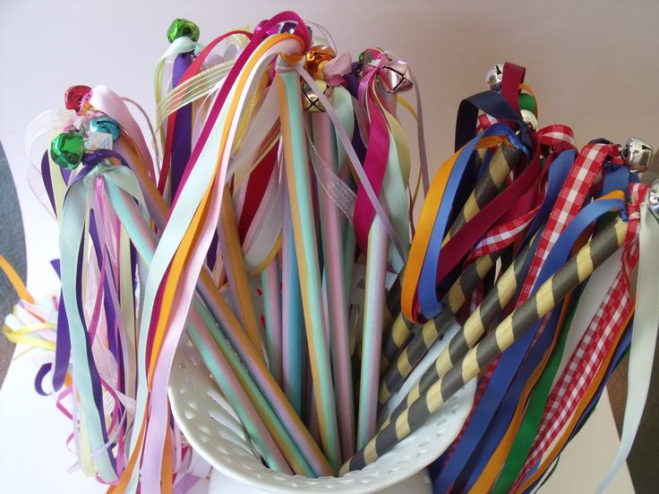 Ribbon wands for the Arts & Craft stall of the school fete. (just need some 9mm dowel, eyelet, bell and lots of ribbon)