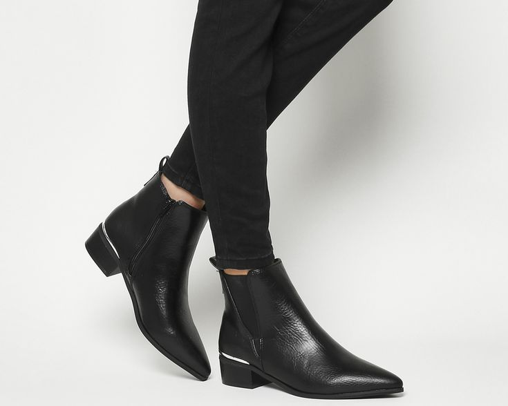 Anchor Pointed Flat Chelsea Boots