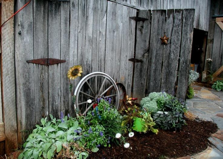 Home Design Ideas Decorating Gardening: Vintage Garden Decor