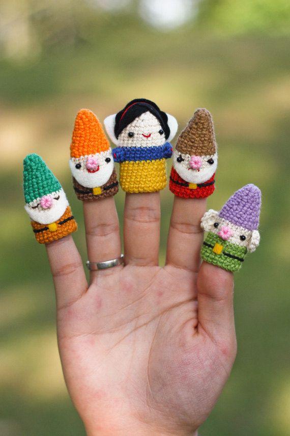 Finger Puppet Snow White set by desaboneka on Etsy
