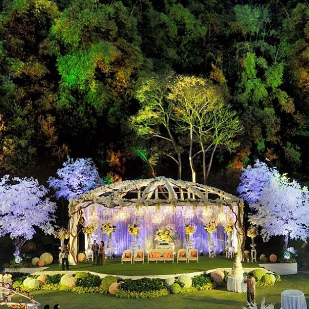 WOW! #wedding #decoration #outdoor #summer #reception #weddingday #venue #beautiful #bride #groom #couple #love #flowers #indonesia #resepsi