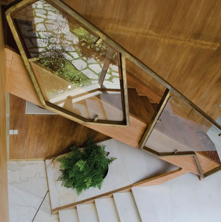 Escalera de la Villa planchart