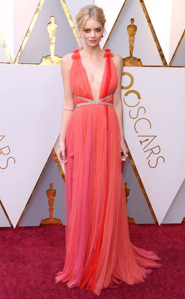 Samara Weaving in Schiaparelli Couture from 2018 Oscars Red Carpet Fashion