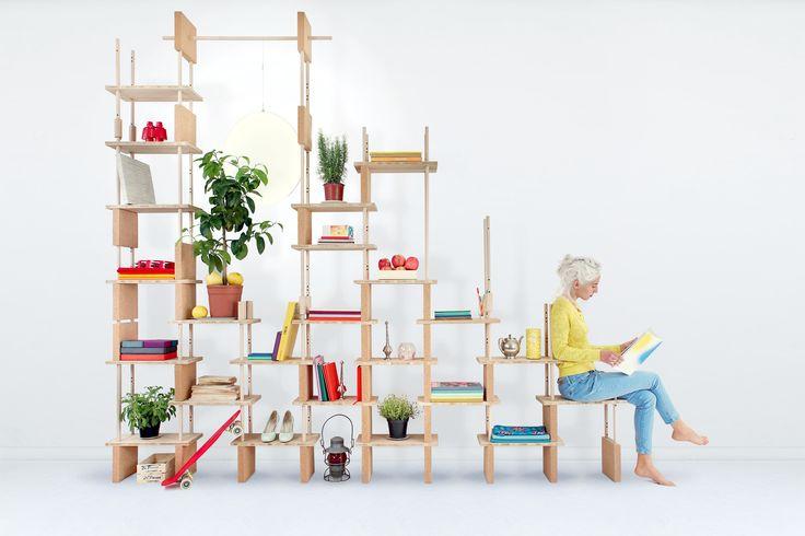 play yet ! - Etagère, petit lit, cabane ou bureau, le kit play yet ! permet de composer sans peine différents paysages habitables. Entre espace de détente, de travail ou de convivialité, c'est à chacun de choisir où et comment aménager play yet ! Le kit est composé d'éléments en liège et en bois, des formes à assembler simplement et à l'infini. Durable et fonctionnel, il accompagne son environnement, grandissant avec lui, s'adaptant à ses évolutions.  http://shop.smarin.net/fr/55-play-yet