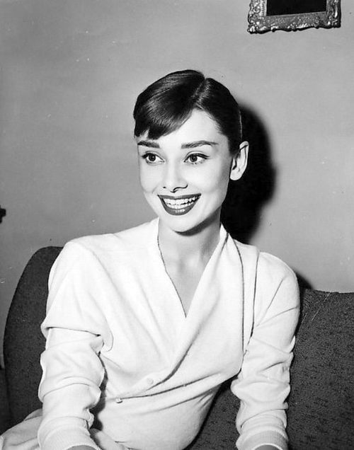 I adore Audrey Hepburn's style!  It's classy and lovely!