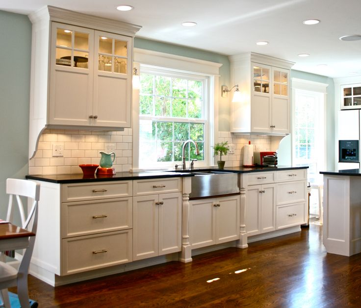 Benjamin Moore Antique White Kitchen Cabinets: 17+ Images About Glass Cabinets On Pinterest