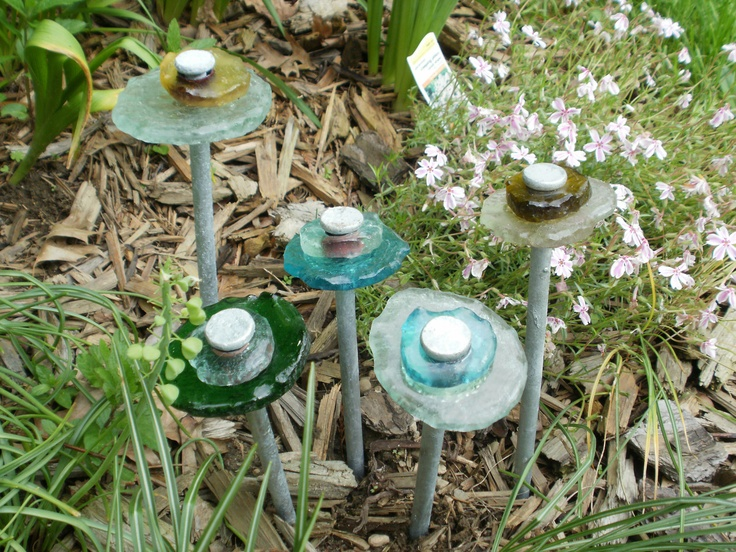 Recycled glass art garden stakes repurposed for Recycled garden ideas pinterest