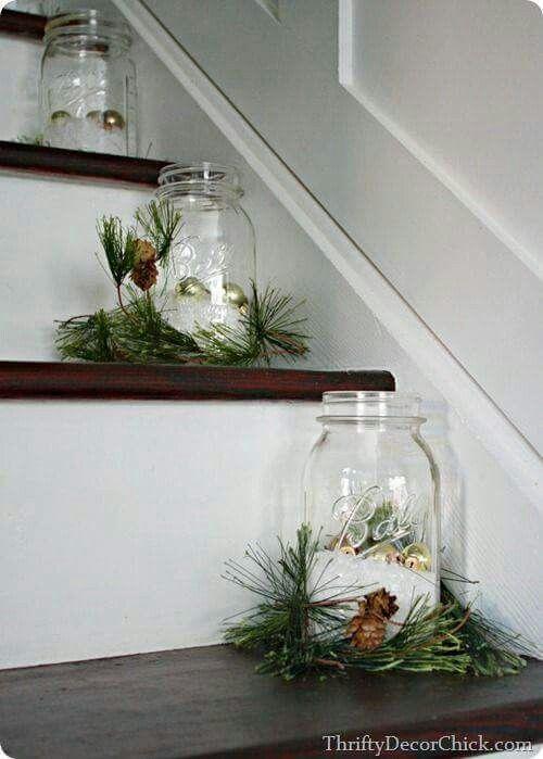Una hermosa opción para colocar en los peldaños de la escalera