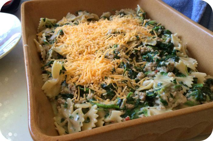 Turkey Pasta Florentine Bake | HungryLittleGirl ground turkey