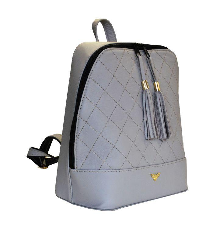 Štýlový dámsky kožený ruksak z prírodnej kože disponuje vynikajúcou kvalitou spracovania materiálu. Do ruksaku zmestíte všetky svoje potrebné veci. https://www.vegalm.sk