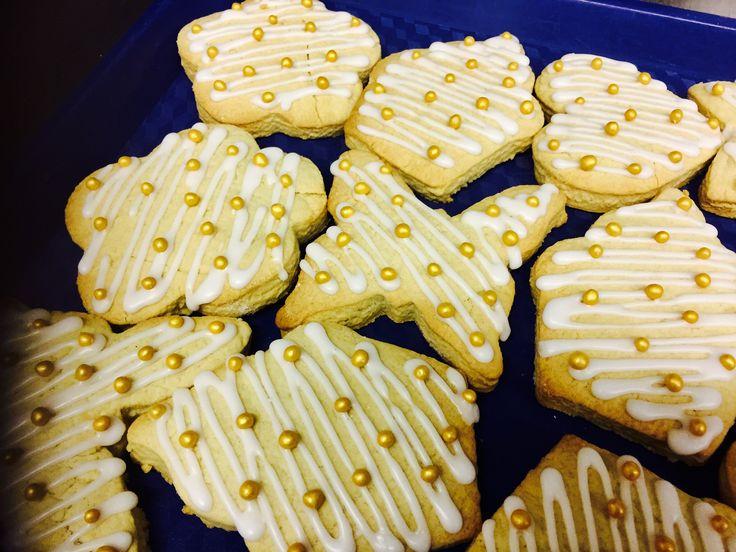 Iced vanilla shortbread biscuits