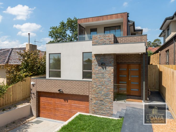 Luxury in Mount Waverley - recently completed house across 3 levels.