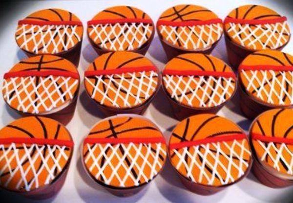 Festa esportes: veja ideias de docinhos, como esses cupcakes!