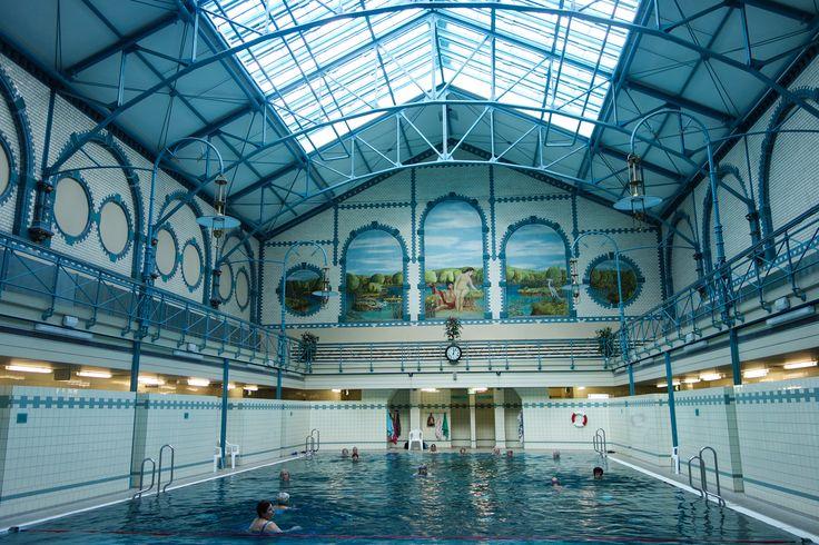Stadtbat Charlottenburg Alte Halle, une piscine à l'architecture art déco à l'Ouest de Berlin