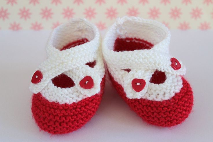 Baby Stocking Filler, Red White Booties, Baby Girl Shoes, Cute Crib Shoes, Christmas Booties, Baby Girl Gift, Christening Shoes, Baby Shower by Pinknitting on Etsy