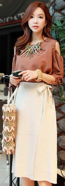 StyleOnme_Ribbon Waist Tie Linen Wrap Skirt #linen #skirt #koreanfashion #kstyle #kfashion #seoul #summerlook
