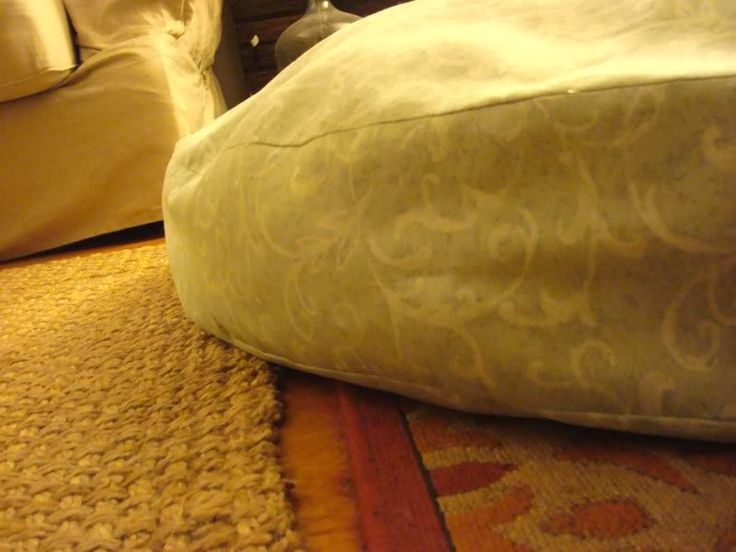 DIY Durable Dog Bed - Complete with a cute hilarious dog video