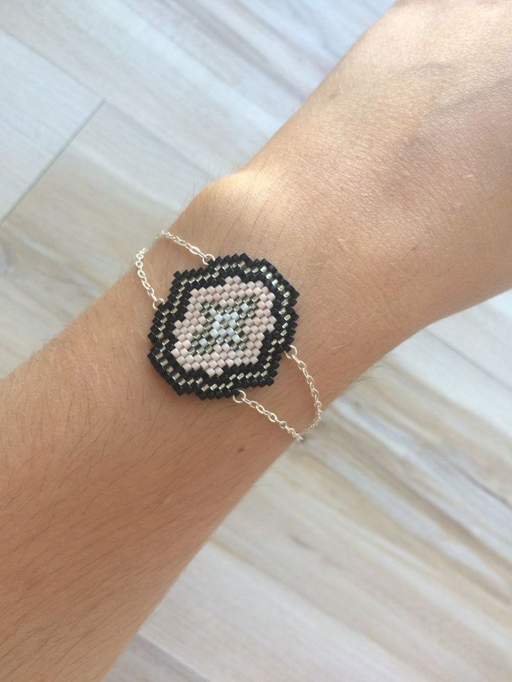 Bracelet ANNA rose via Laaly Créations. Click on the image to see more!