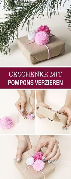 Ideen und Inspiration für kreative Geschenkverpackungen: WIe wär's mit Pompons als Verzierung / decorate christmas gifts with pompoms via DaWanda.com