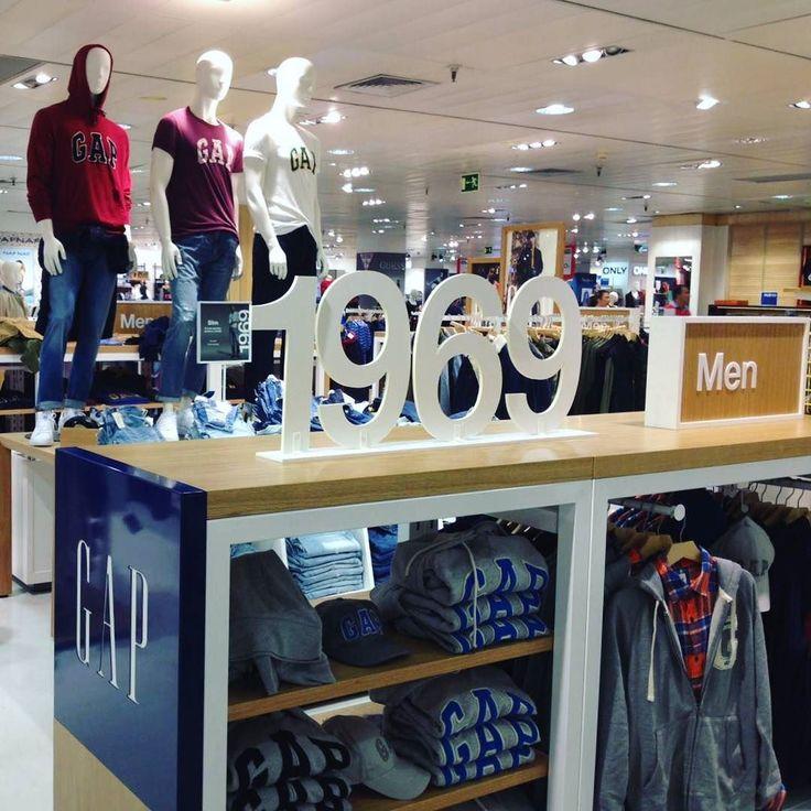 Quieren algo del carrito? PÓNGAME TODO  #vscocam #vsco #galicia #pontevedra #vigo #elcorteingles #love #lovely #gap #fashion #fashionblogger #shopping #me #style #guy #men