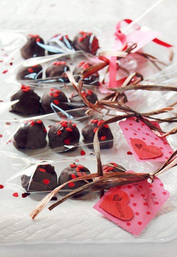 Edible Valentines: Package and Present